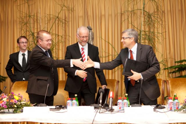 """""""Litgrid"""" ir ABB pasirašė istorinę sutartį dėl pagrindinio elektros jungties """"LitPol Link"""" įrenginio statybos"""