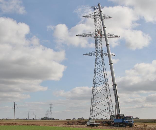 Birželį elektros kainas veikė įprastiniai priežiūros darbai vasarą