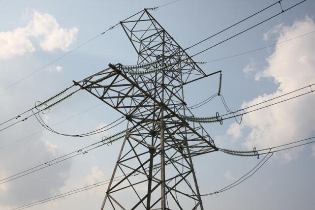 Nedidelis elektros poreikis mažino kainas rinkoje