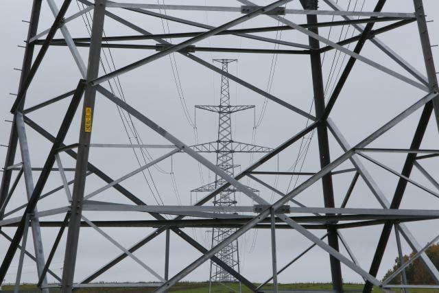 Elektros kaina rinkoje išlieka žema