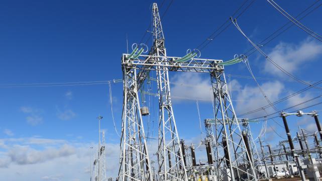"""Baigti rekonstruoti """"LitPol Link"""" jungties vartai - 330 kV skirstykla"""