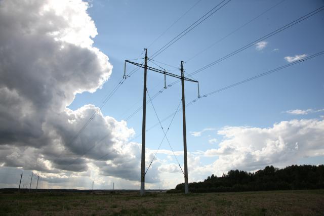 Spalio elektros kainas lėmė netikėtumai kaimynų elektros sistemose