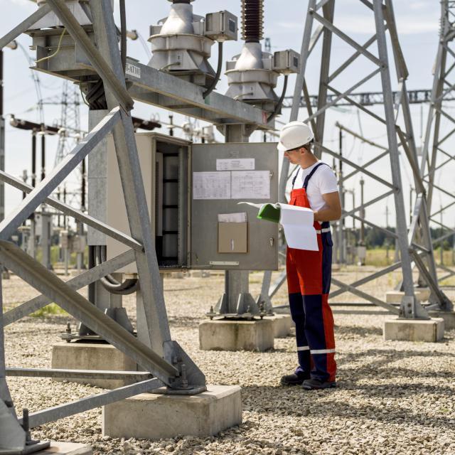 Saugiai dirbama tik kas antroje energetikos statybų darbo vietoje