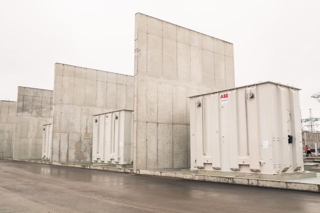 Transformer at NordBalt's converter station in Sweden being replaced