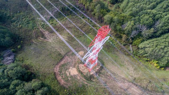 Pradedama ruoštis antrajai elektros linijai su Lenkija