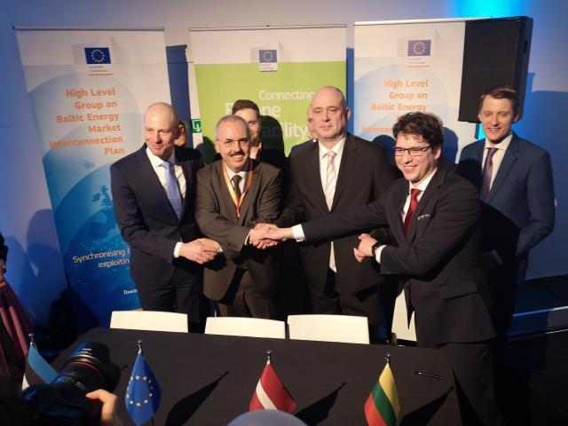 Pasirašė sutartį sinchronizacijos su Europa pradžiai finansuoti