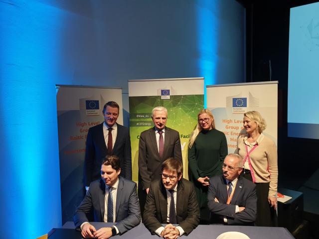 """Pasirašyta sutartis dėl 10 mln. eurų """"Harmony Link"""" parengiamiesiems darbams"""
