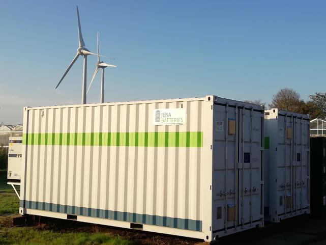 Lietuvos mokslininkai su partneriais sukūrė aplinkai draugišką bateriją atsinaujinančių šaltinių energijai kaupti