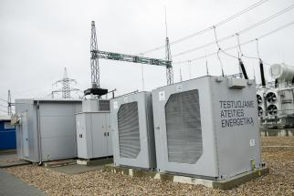 """""""Litgrid"""" prie Lietuvos elektros perdavimo tinklo prijungė pirmąją bateriją"""