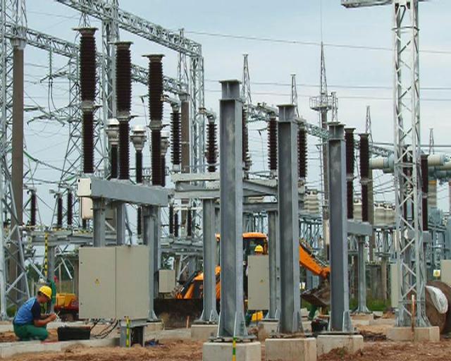 Elektros perdavimo tinklo stiprinimui – 103 mln. litų europinių lėšų